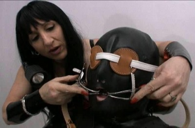 Mistress Gwen And Onyx Rubber Dental Play