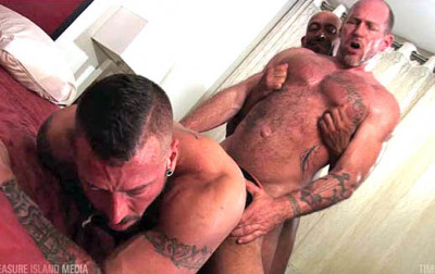 Hot Threesome Hugh Hunter, Randy Harden & LiGee (720p)