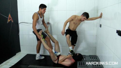 HKinks - Raul Male & Sergio Mutty - Dominated In The Shower 3