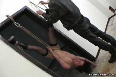 Painvixens – Oct 06, 2009 – Ropes And Kisses