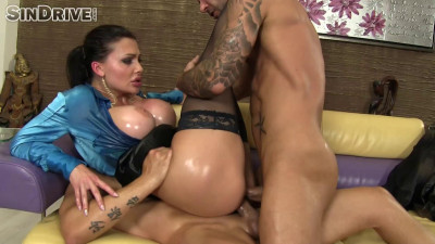 Fucking Her Hot Pussy And Ass At The Same Time