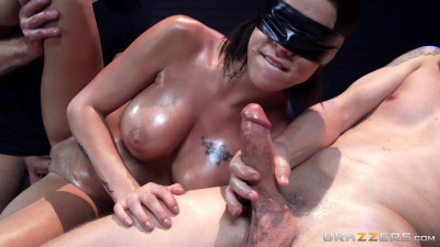 Peta Jensen, Bill Bailey, Jessy Jones - The Blindfold Massage FullHD 1080p