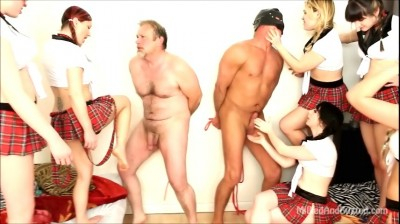 6 Mean Girls Ballbusting