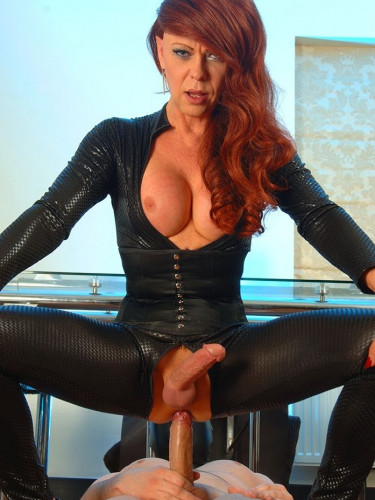 Shemale Cougar 4 – Catsuit