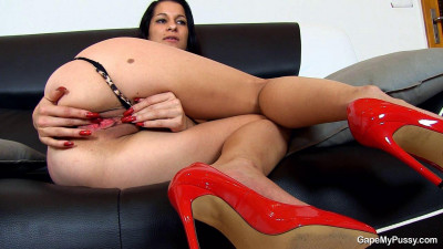 Red heels and red from the desire pussy