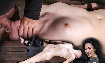 Sexy beauty Aria Alexander shackled