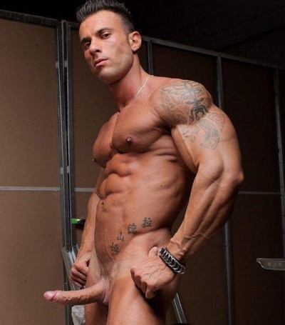 Muscle Hunks - Gianluigi Volti Dude al Fresco