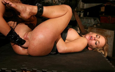 Royal Delight With Sex Slave Janny