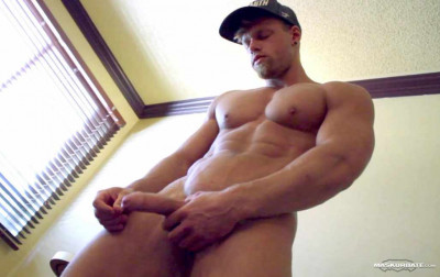 Muscle Man — Hot Solo