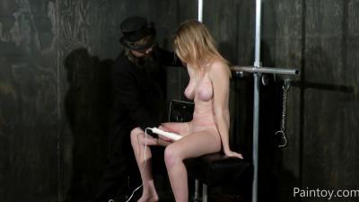 Raw Pussy Punishment (15 Nov 2015)