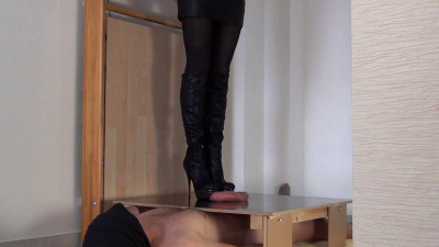 Mistress Alina Suffer two bitchy Orgasms (2014)
