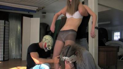 Bellypunching Steve Noir – In The Gut