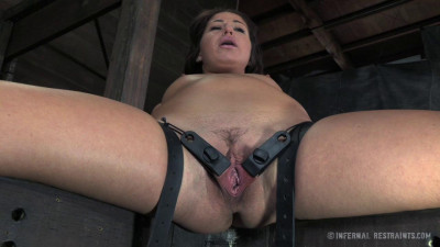 IR – Dungeon Slave – Part 2 – Mia Gold – HD