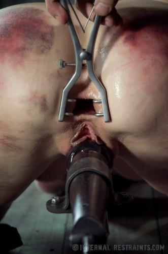 IR - Queen of Pain 2 - Elise Graves, Cyd Black - Mar 1, 2013 - HD