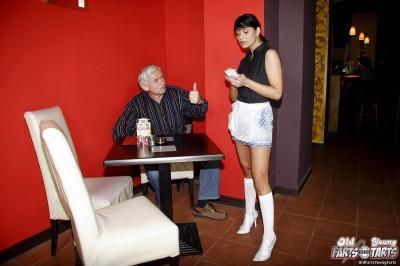 Tereza - Waitress for ren