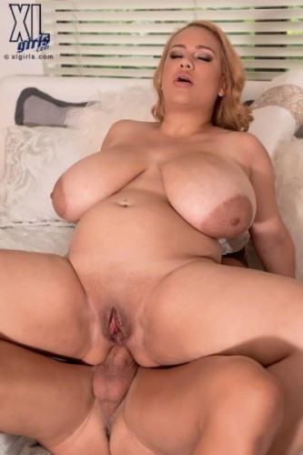 Liza Biggs - Liza Loves Anal (2014)