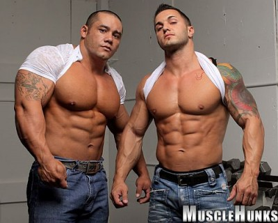MuscleHunks - Muscle Grapplers Baker vs El Potro
