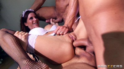 Her Sex Game With A Few Guys