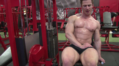 Pumping muscle TysonD photoshoot 3