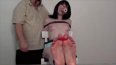 TB – Pretty Feet Deep Throat Natasha