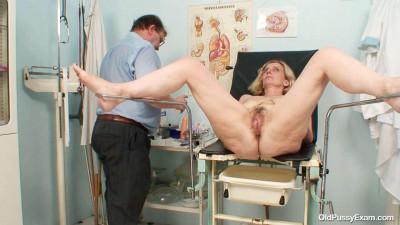 Tamara - 47 years woman gyno exam