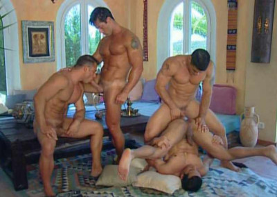 Multi gangbang with muscle men