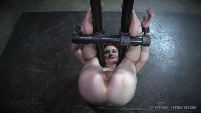 Violet Monroe Between The Bars (2015)