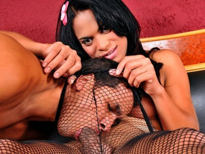 Smoking TS Samya Santos Fucked
