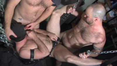 Men Of Massive Cock In Orgy