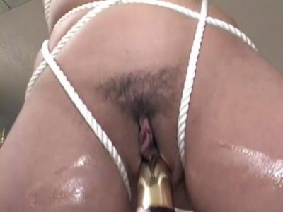Bizarre pussy pleasuring