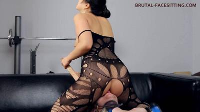 Mistress Taya - Updated: 04 September 2015