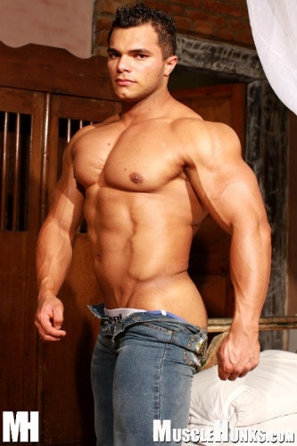MuscleHunks – Jardel Barros – Brazilian Heat (2007)