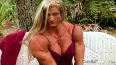 Shredded Muscle Babe Masturbation – Kim Stahl