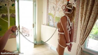 Pony Girl - Ariel Anderssen.