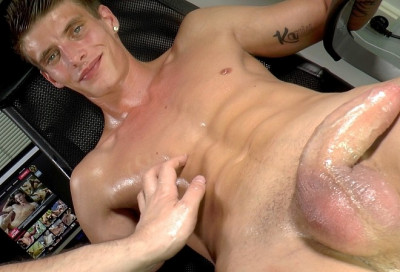 EBoys — Handjob in our office Part 2 of 2 - Alexander Dorch