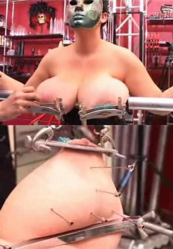 Indescribable pleasure with needles