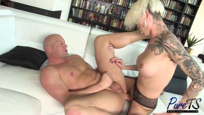 Slut smashed guy ass