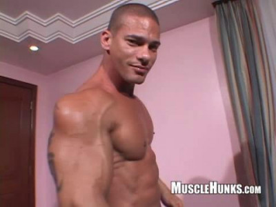 Muscle Hunks – Claude Carroll Solo