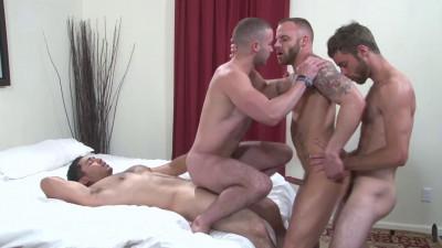 cums sucking mirror amazing (Anal foursome!)...