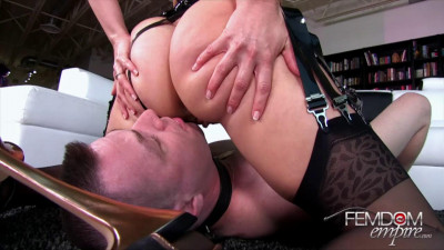 Anikka Albrite – The Bottom Slave