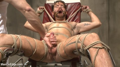 Horny mental patient hallucinates a dual edging