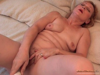 Mesmeric Old Babe Fist Fucked Hard