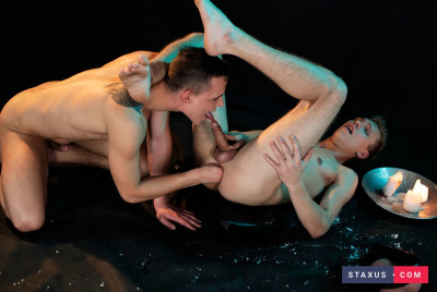 Sven Laarson Gets Fucked & Fisted, With A Hot Wax Shower & Loads Of Jizz To Boot