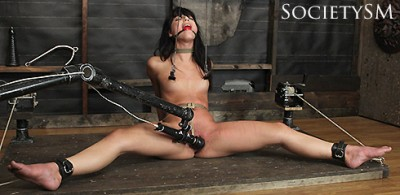 Gina Valentina - Bent and Split, Parts 1-4