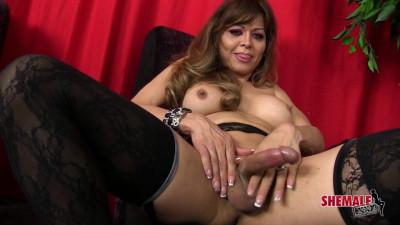 Trans Superstar Johanna Bardin