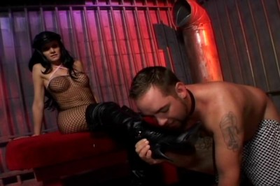 Leah WildeIs A Dominatrix, scene 3