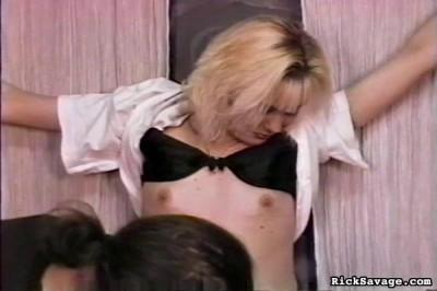 Bondage Virgin – Blondie