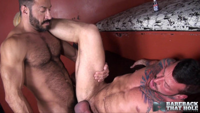 Bareback That Hole - Hugh Hunter and Vinnie Stefano