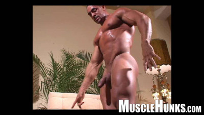 MuscleHunks – Eddie Camacho – The Lost Interview
