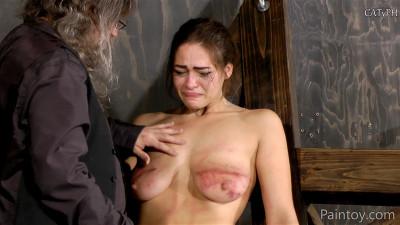 Kiki Sweet gets her jugs bruised